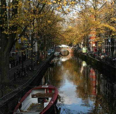 amsterdam canaux 2 400x390 Une escale  Amsterdam ? Ce quil faut voir!
